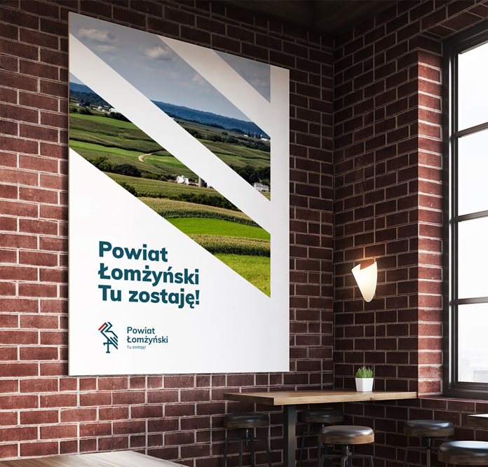 Nowe logo powiatu na plakacie