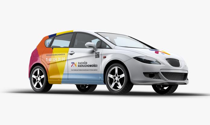 Samochód z nowym logo Zachód Nieruchomości