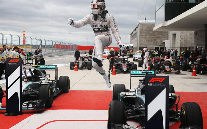 Fragment nowego logo F1 na torze