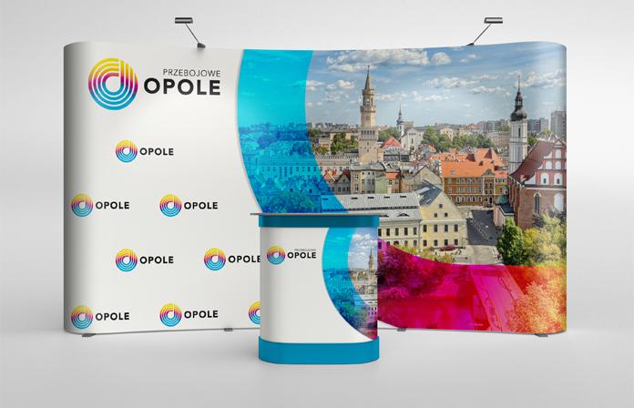 Ścianka z nowym logo Opola